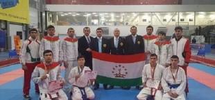 9 medaliy