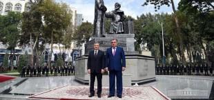 Rahmon Mirziyoyev otkrytie pamyatnika Alishera Navoi 003