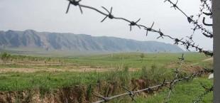 The border among Tajikistan and Kyrgyzstan 012