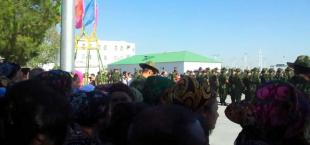 Turkmenistan calling in army 002