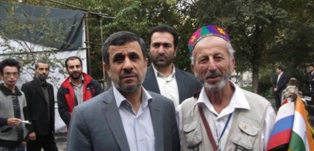 Абдулазиз Раджабов с бывшим президентом Ираном Ахмадинежадом
