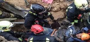 Гражданин Таджикистана получил травмы в результате обрушения грунта в Москве (фото)