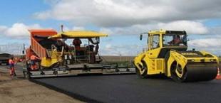Реконструкция автотрассы Душанбе-Турсунзаде (до границы с Узбекистаном) завершится к концу октября (видео)