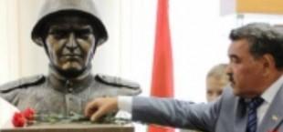 В Минске открыт бюст герою Советского Союза из Таджикистана