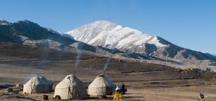yurty v Tsentralnoi Azii