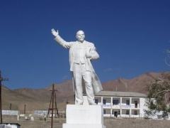 Памятник Ленину в Мургабе