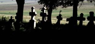 Предприниматели Ашта благоустроили христианское кладбище