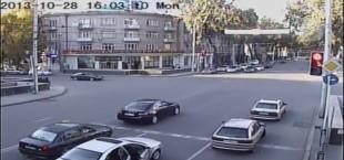 В Душанбе водитель заплатил за нарушение ПДД $10 тысяч