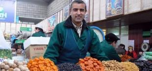 prodavets fruktov v Almaate