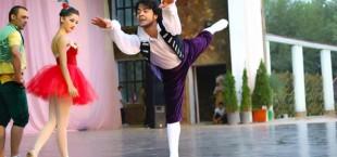 tajik balet in garden 002 1