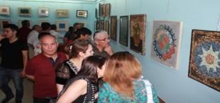 Выставка картин Далера Мехтоджева открылась в Душанбе